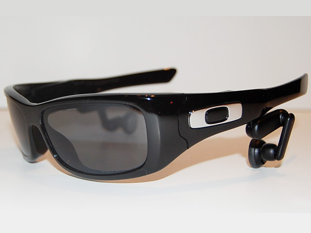 oakleysplitthump Oakley Split THUMP MP3 Sunglasses Review