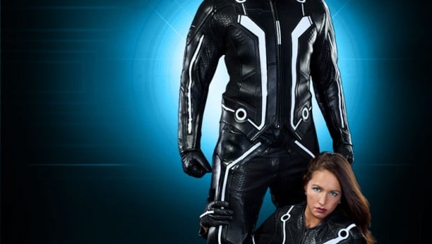 sam quorra large1 620x350 Sam Flynn and Quorra TRON Replica Suits Now Available