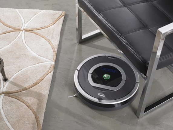 iRobot Roomba 780 2 572x429 iRobot Debuts Roomba 700 Series with New Design and Touch Interface