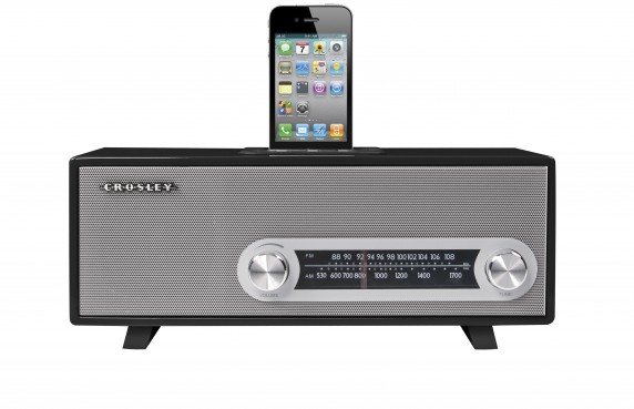 CR3001 bk front 572x369 Crosley Debuts Ranchero the Vintage Looking iPod Dock for Audiophiles