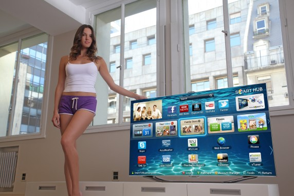 IMG 8220v2 572x381 Samsung and a Victorias Secret Model Make the Smart TV Even Sexier