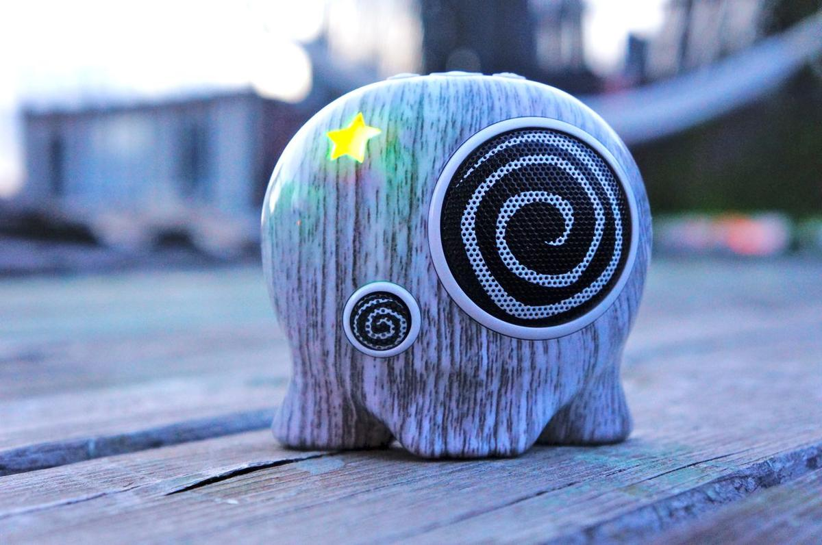 DSC00085 Boombotix BB2 Wireless Portable Speaker Review