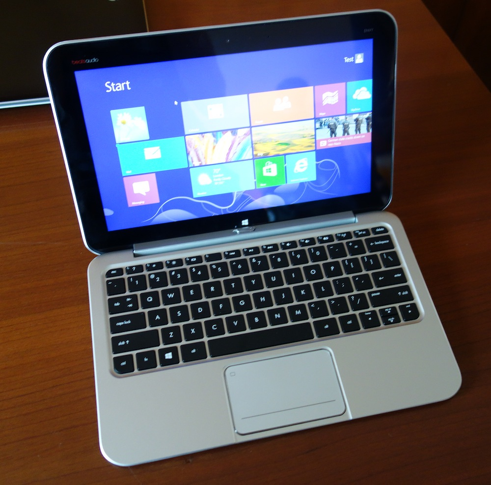 DSC00159 HP ENVY x2 is a Hybrid PC that a Macbook Air Owner Could Love [Hands on]