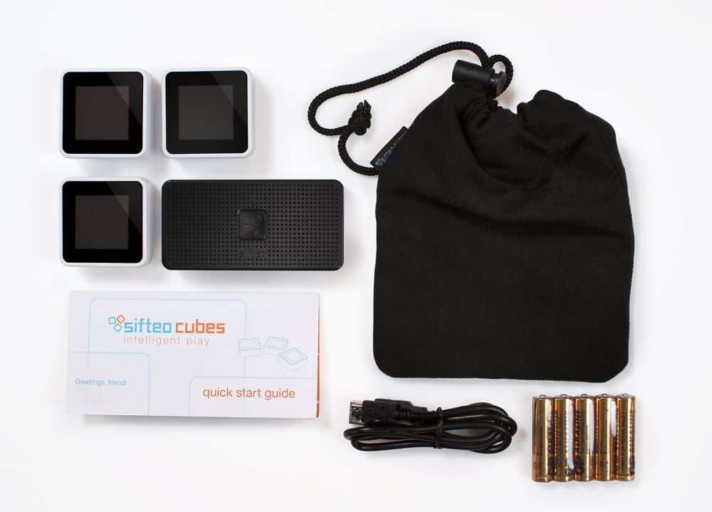 unboxed med Sifteo Cubes Go Next Gen