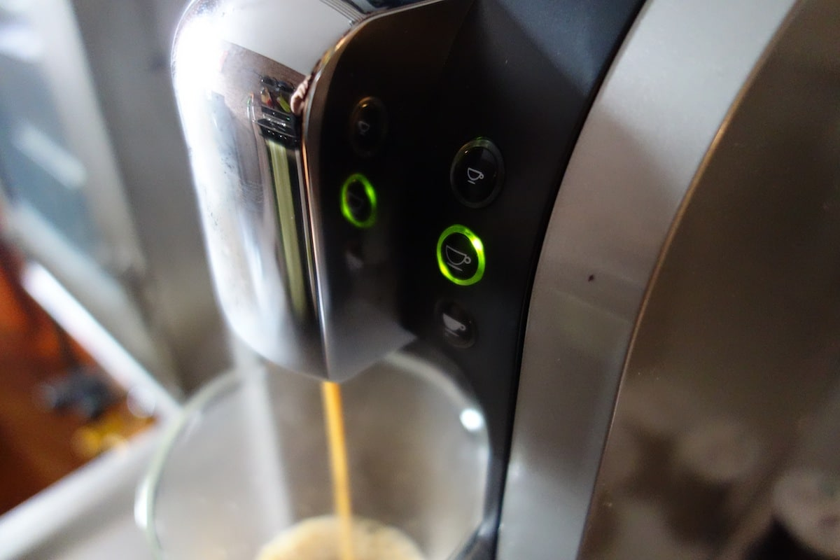 DSC01408 Starbucks Verismo System 580 Review   Make the Perfect Grande Caffè Latte at Home