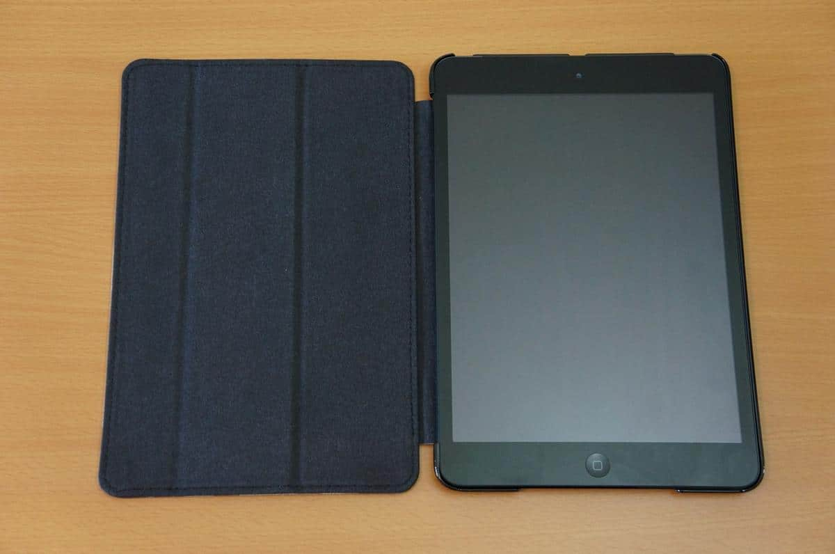 DSC01122 Joy Factory SmartSuit Mini Case/Stand for iPad Mini Review