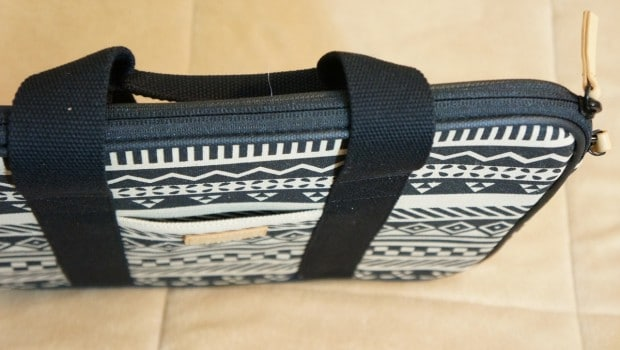 DSC01401 620x350 Greene + Gray Tribal MacBook Pro Sleeve Review