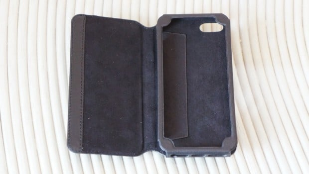 DSC02767 620x350 Kavaj Dallas Case for iPhone 5 Review