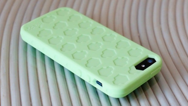 DSC02780 620x350 M Edge Alter Ego Glow in the Dark iPhone 5 Case
