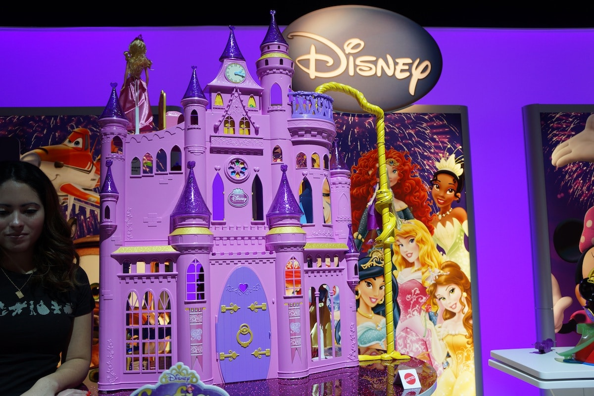 DSC017981 Magic Mirror App Unlocks the Disney Princess Ultimate Dream Castle