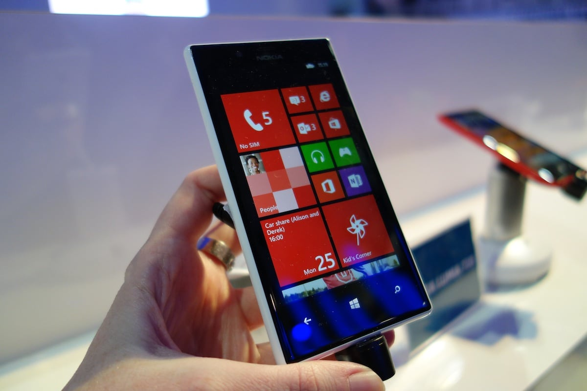 DSC04432 Nokia Reveals Budget Friendly 520 and 720 Lumia Smartphones [Hands On]