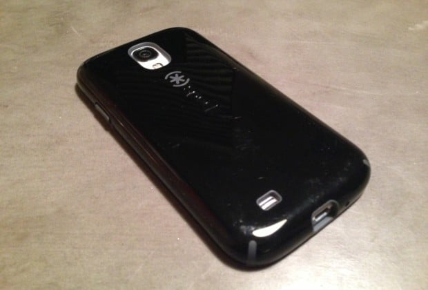 photo2 620x420 Speck Galaxy S4 CandyShell Case