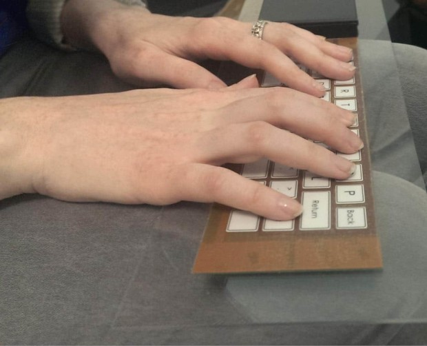 screenshot 1336 620x502 New Electro Mechanical Polymer Could Make Touchscreen Keyboards a Little More Physical