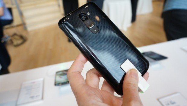 DSC00954 620x350 LG G2 is the Ultimate Phone for Selfies [Hands on]
