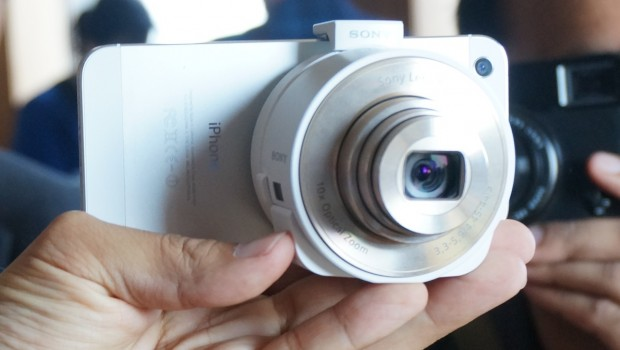 DSC01118 620x350 Sony QX Lens Style Series Transform Smartphones into REAL Cameras [Hands on]