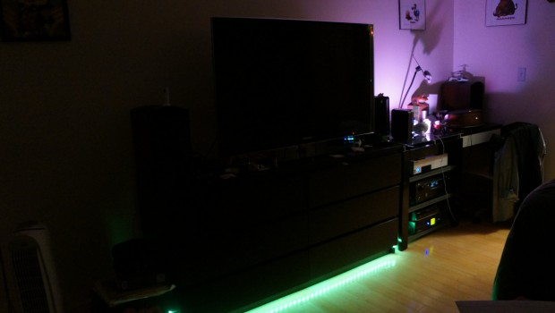DSC04825 620x350 Philips Hue LightStrip and Hue Bloom Lamp Review