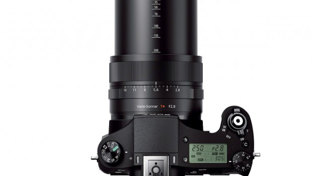 DSC RX10 top tele bgwh 620x350 Sony RX10 and A7 Cameras Bring New Form Factors to Pros