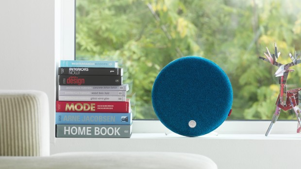 Libratone Loop IcyBlue Window 620x350 Libratone LOOP is Pure Speaker Candy