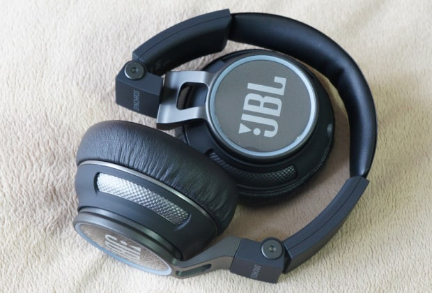 DSC070501 620x420 JBL Synchros S400BT On Ear Headphone Review