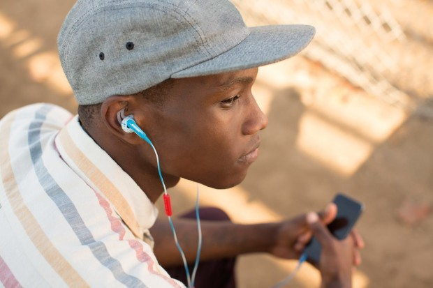 FreeStyle™ earbuds 620x413 Bose Looks to Attract New Audience with Colorful Audio Collection