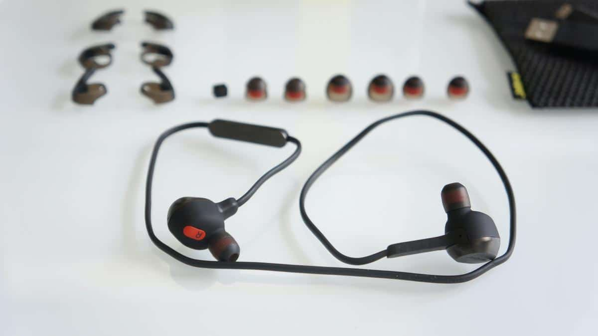 jabra rox wireless bluetooth earbuds review. Black Bedroom Furniture Sets. Home Design Ideas