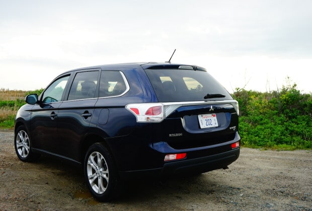 DSC04608 620x420 2014 Mitsubishi Outlander is a No Frills Solid Crossover   Review