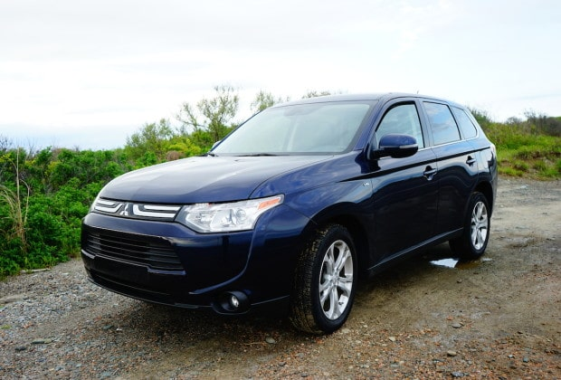DSC04609 620x420 2014 Mitsubishi Outlander is a No Frills Solid Crossover   Review