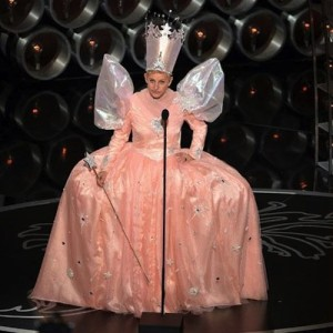 ellen-degeneres-Oscars-Pink-Princess-Dress